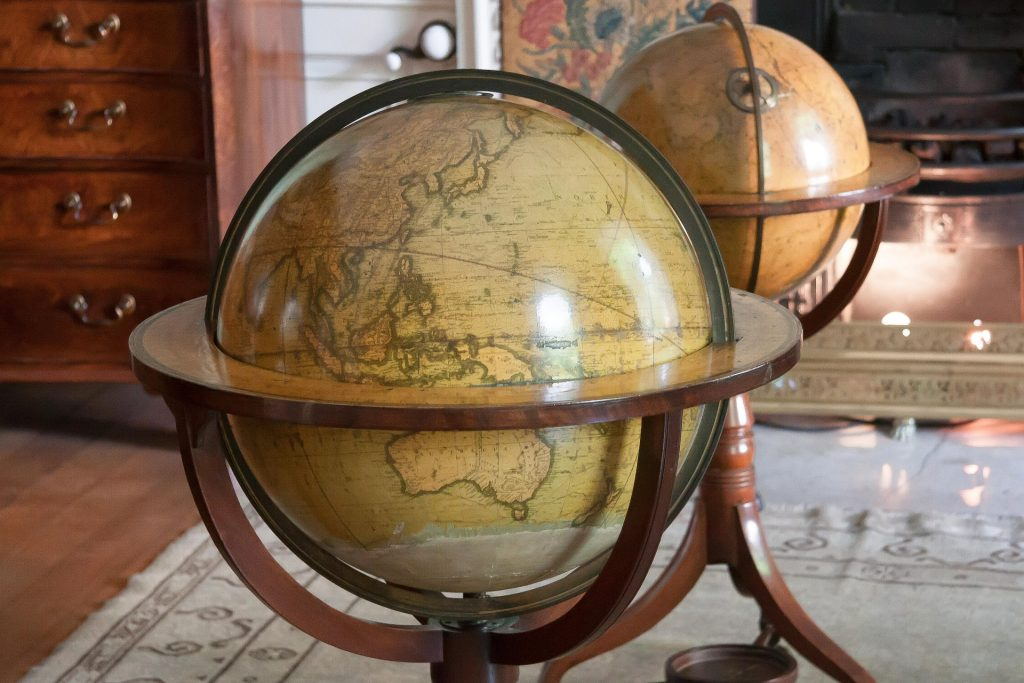 image of standing globe in bedroom