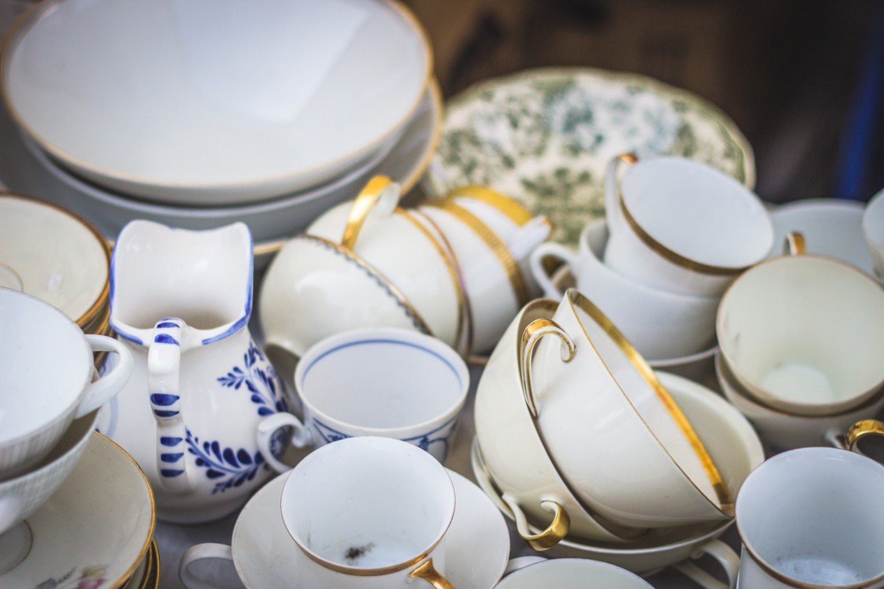 image of china cups, saucers and bowls