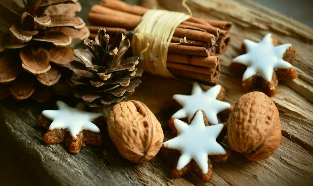 image of Holistic Home Decorations decorative pine-cones and edible tree decorations- nuts and baked goodies